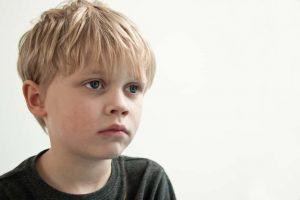 מרכז C.A.T | העדר קשר עין: אוטיזם.