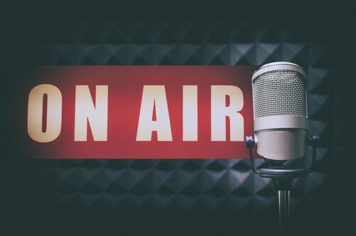KOL-BARAMA RADIO <BR> (English Subtitles)