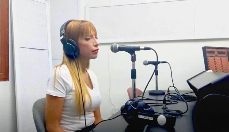 KOL HAKINNERET RADIO  <BR> (English Subtitles)